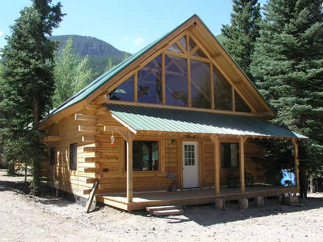 cabin30-front_view.JPG (92246 bytes)